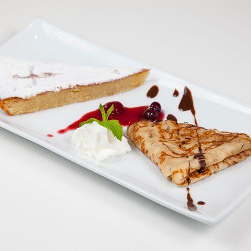 Filloas y tarta Santiago
