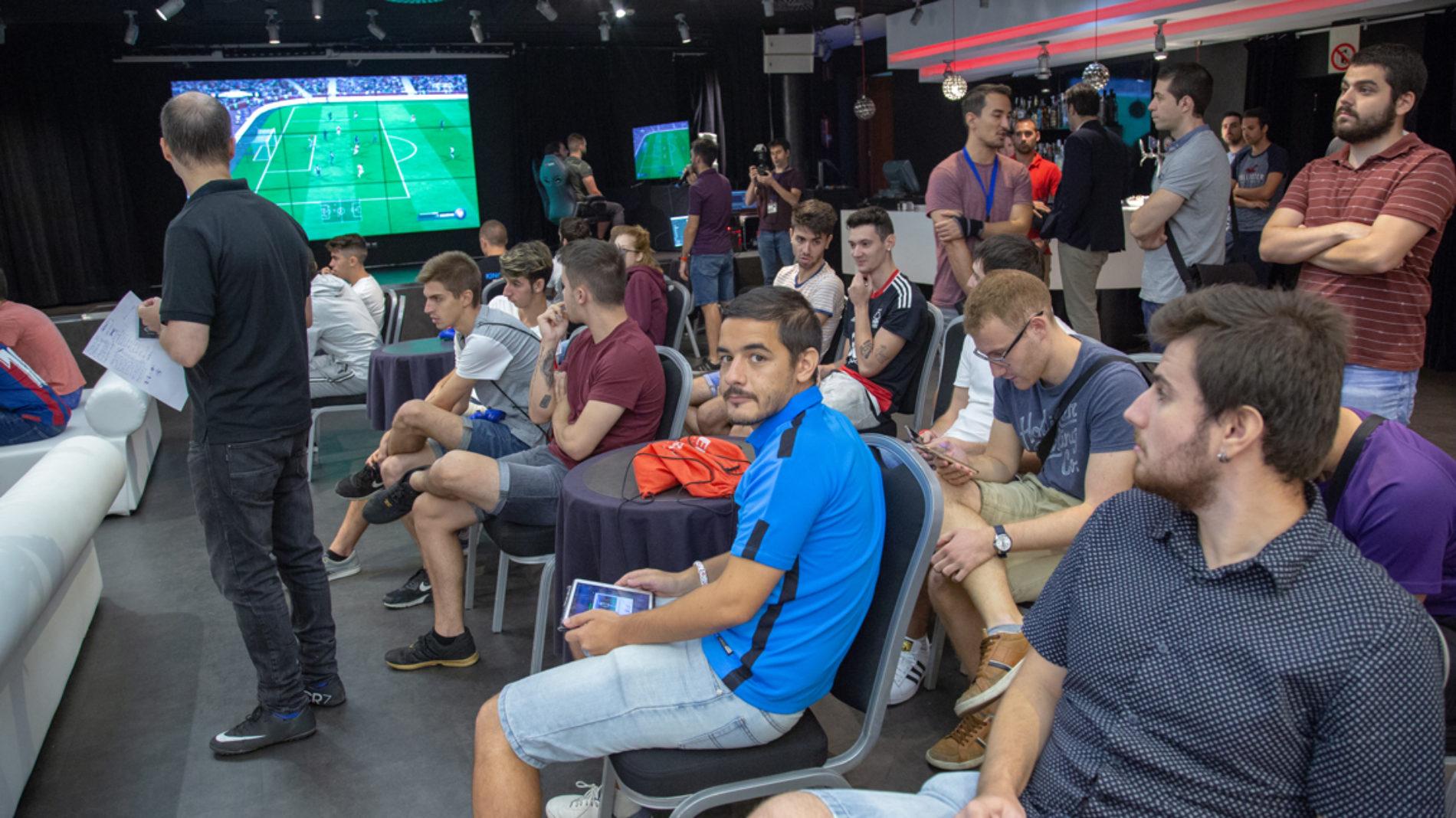 Torneo e-games – ¡El primer torneo de FIFA 18!