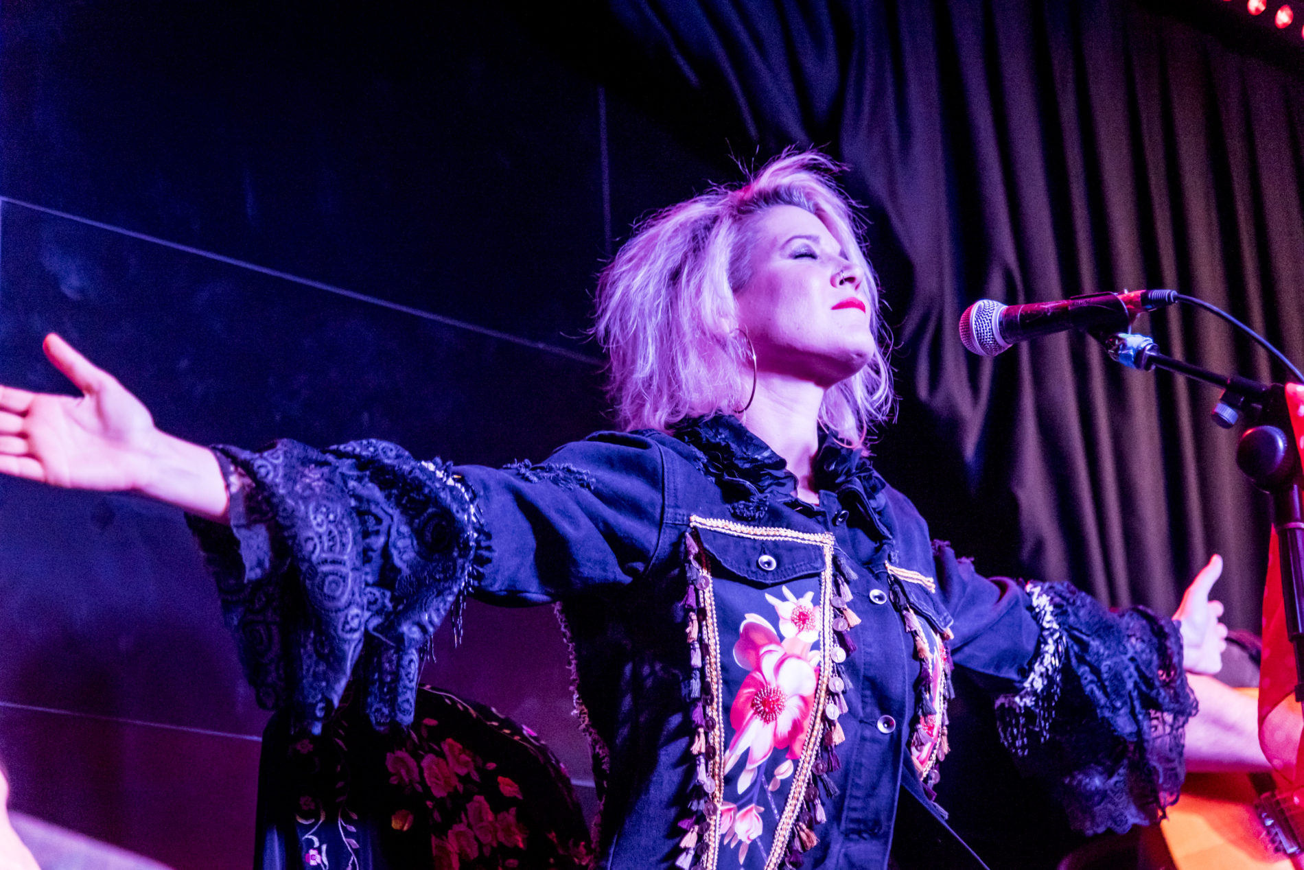 Galería de fotos – Concierto Reina Roja